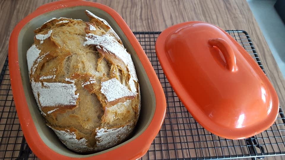 Ein perfektes Brot aus dem kleinen Zaubermeister von Pampered Chef. Die Rezeptidee stammt von Monika Camera.
