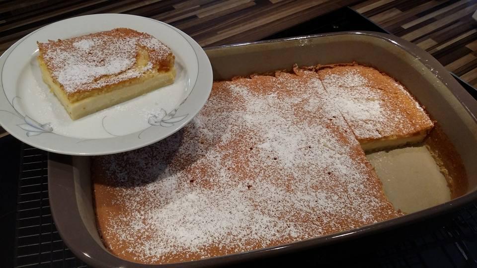 Ein saftig super leckerer Vanille Zauberkuchen aus der großen rechteckigen Ofenhexe® von Pampered Chef®