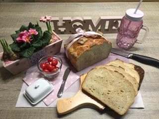 Hanno das Brot aus dem Zaubermeister/Ofenmeister Ein tolles Brot das schon hundertfach nachgebacken wurde. Hanno das Brot aus dem Zaubermeister oder Ofenmeister von Pampered Chef. Ein Rezept nach Silke Schlusemann. Martina Ziehl mit Pampered Chef - Brotre