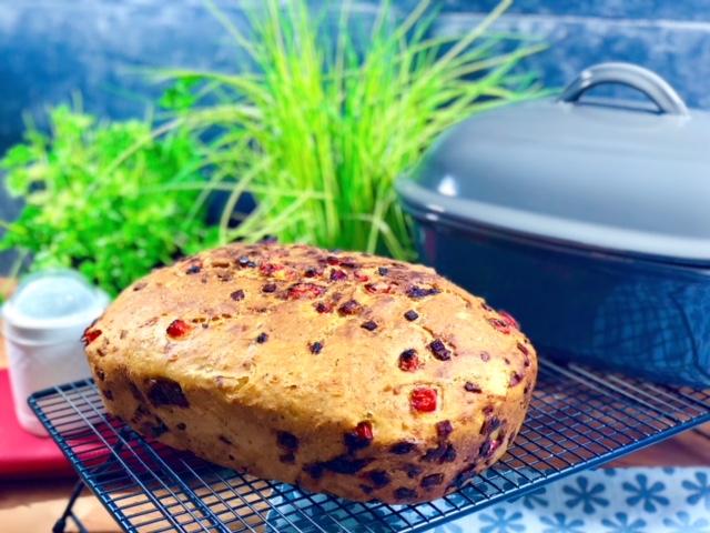 Pizzabrot super lecker aus dem Ofenmeister von Pamperedchef® Leckeres Brot das auf keiner Grillparty fehlen darf.