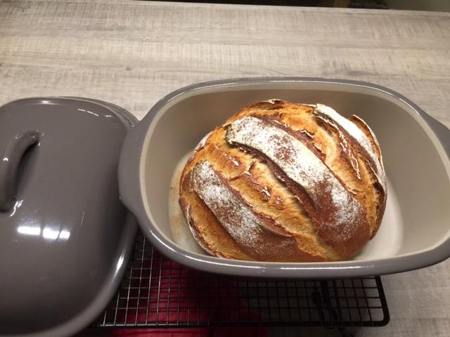 Familienknusperle nach dem Rezept von Thermifee Ein tolles Brot aus dem Ofenmeister. Das Familienknusperle wird deine ganze Familie begeistern.
