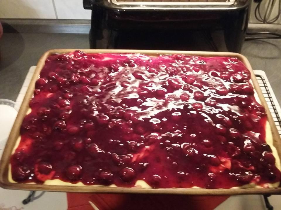 Leckerer Rote Grütze Kuchen schnell gebacken auf dem großen Ofenzauberer James von Pampered Chef®