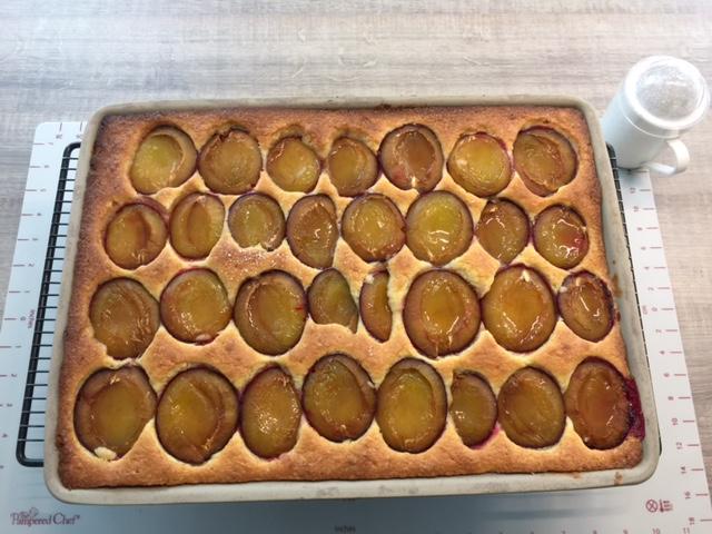 Zwetschgenkuchen vom Ofenzauberer James von Pampered Chef. Schnell zubereitet und ultra lecker.