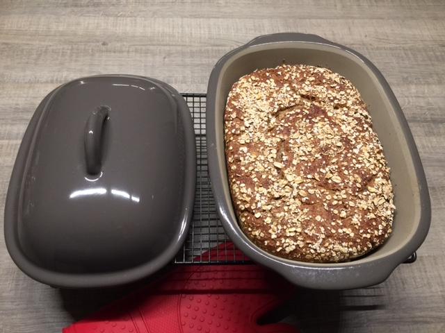 Schau, hier siehst du mein selbst gebackenes Vollkornbrot mit 5 Korn Getreide....es ist einfach perfekt....