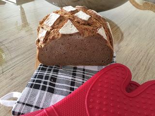 Dieses Brot wird dich so richtig satt machen. Ich liebe selbst gebackene Brote. Ich backe im Ofenmeister von Pamperedchef®