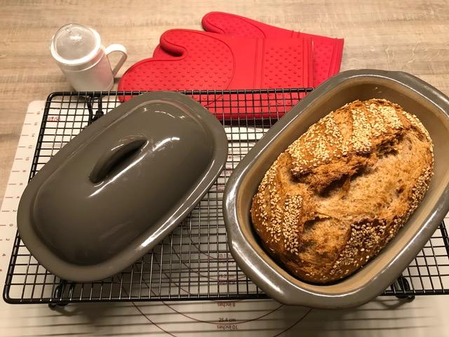 Zaubermeister Dinkel-Roggenbrot Emelily ein wunderbar knuspriges Brot aus meinem Brotbacktopf von Pamperedchef