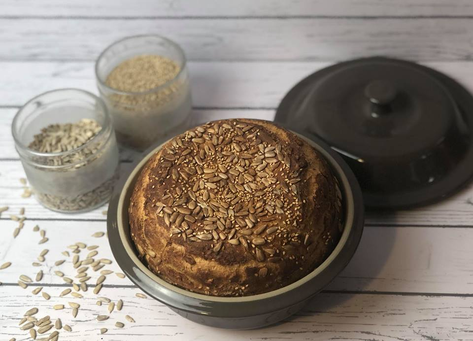 Hier siehst du ein wunderbares Zaubermeister Brot das in der Brotbackform von Pampered Chef gebacken wurde.