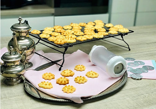 Plätzchenpresse von Pampered Chef® Marzipan-Plätzchen Rezept  Plätzchen oder pürierte Kartoffeln mit einer einfachen Drehung! Unsere rotierende Presse ist einfacher zu nutzen als die handelsüblichen Pressen mit Presssystem.