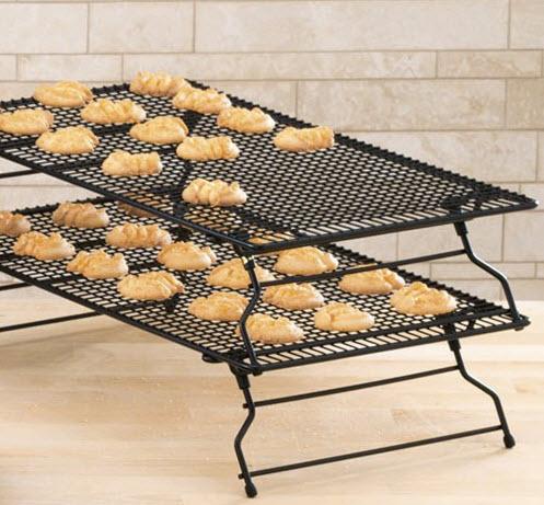 Kuchengitter von Pampered Chef sind Stapelbar - ideal bei der Plätzchenbäckerei ♥