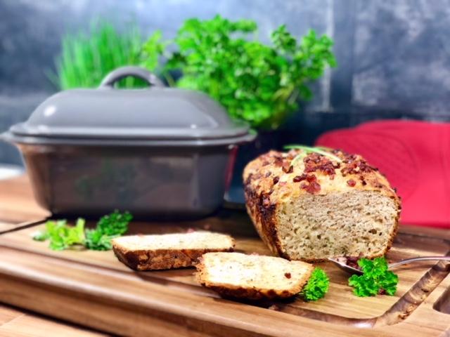 Ein Brot mit vielen leckeren Kräutern aus dem Zaubermeister von Pamperedchef®