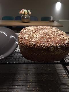 Pampered Chef 5-Korn-Brot aus dem Ofenmeister oder Zaubermeister.  Brot selber backen gelingt bestens im Ofenmeister von Pampered Chef