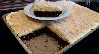 Pampered Chef Ofenzauberer Sägespänenkuchen. Weitere tolle Ofenzauberer Rezepte bei Martina Ziehl mit Pampered Chef zu finden ♥