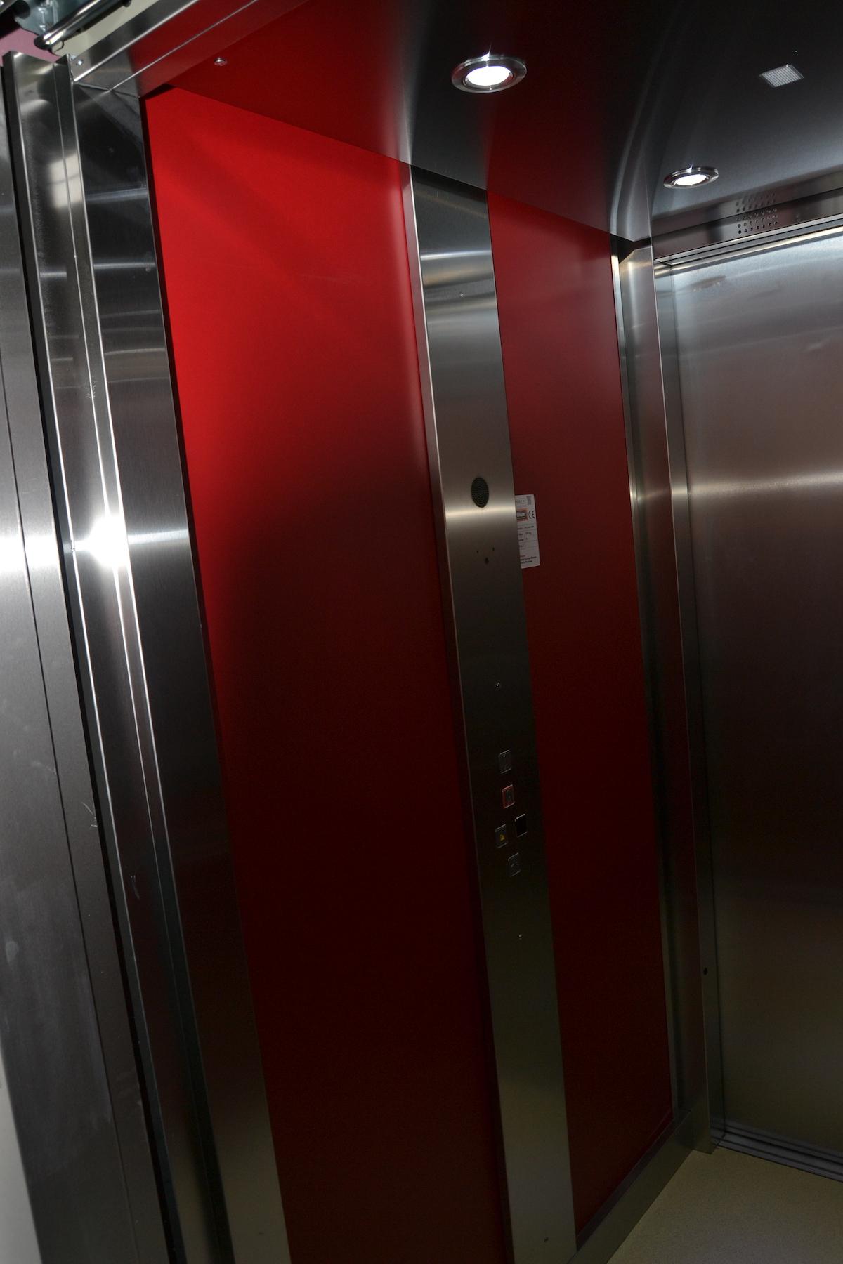 Hostal Español, Hostal en La Pueblanueva, ascensor