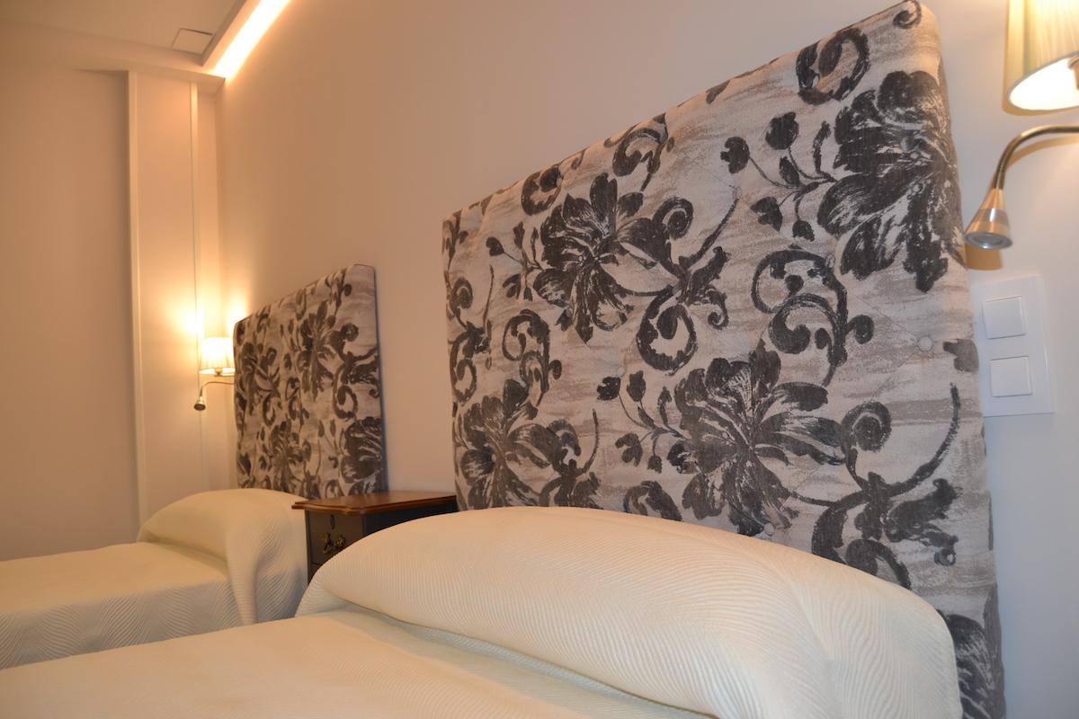 Hostal Español, Hostal en La Pueblanueva habitación doble cerca de Toeldo