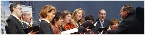 Das Ensemble der Konzertvereinigung Wiener Staatsopernchor unter der Leitung von Thomas Lang (Foto: Christian Husar).
