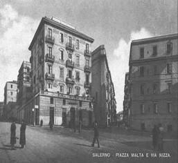 Piazza Malta anni 40' © http://web.tiscali.it/anticasalerno/