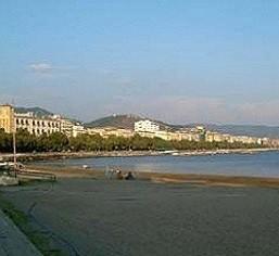 Spiaggia S.Teresa oggi (foto tratta dal sitoweb: http://www.tvoggisalerno.it)