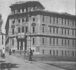 Liceo Torquato Tasso primi 900' (© http://www.salernitanastory.it/galleryDetail.php/4/56/Salerno+Antica/)