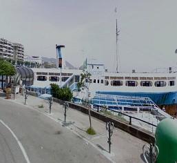 Nave Concord sul Lungomare di Salerno