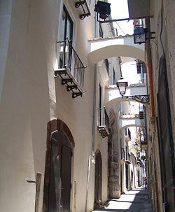Via Botteghelle centro storico di Salerno