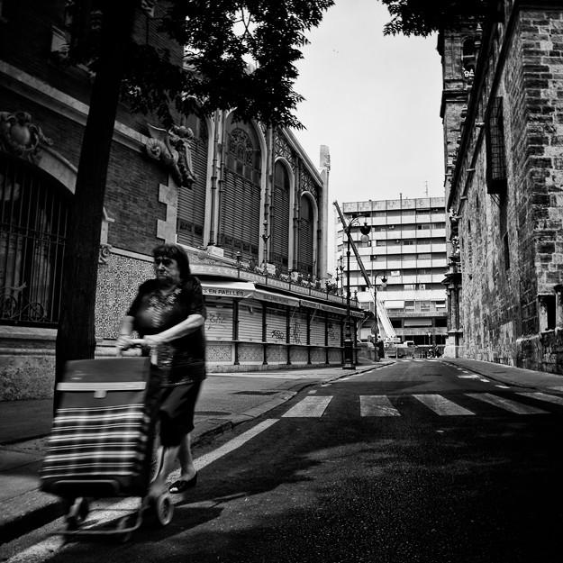Mujer de las Compras, Valencia. Spain 2012