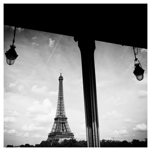 tour eiffel, view from bir harlekim. Paris, 2011