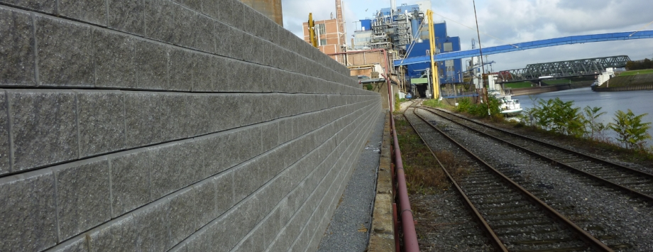 KBE Beton, Projekt Neuss, Steine: Allan Block