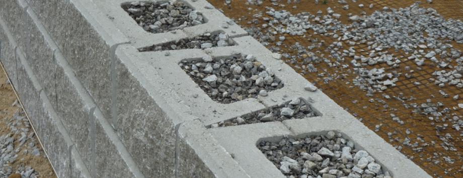 System KBE Beton - Detailaufnahme Betonsteine Allan Block