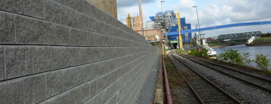 System KBE Beton mit Blocksteinen (Allan Block)