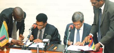 accord de développement économique bilatéraux entre l'île Maurice et la Zambie, signature d'un accord de partenariat entre l'île Maurice et la Zambie, l'île Maurice et la Zambie signent un accord économique