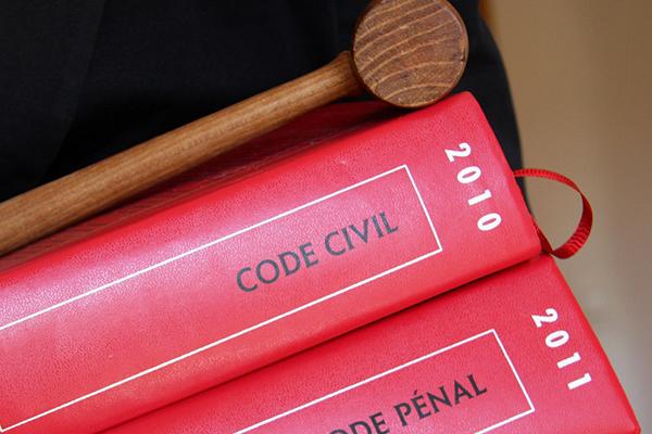 code civil code du travail externalisation recherche juridique avocat LPO legal process outsourcing ASSAS ile Maurice droit français