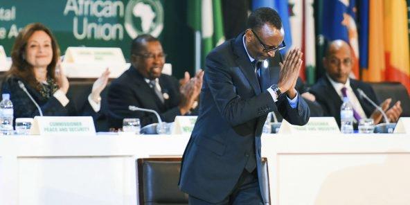 Paul Kagamé, le président rwandais et l'actuel président de l'Union africaine, lors de la signature de l'accord instituant la Zone de libre-échange continentale africaine le 21 mars à Kigali. © Stringer/AP/SIPA