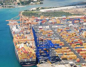le port franc mauricien: plateforme logistique reliant l'Afrique à l'Asie, le Port Franc de l'île Maurice: plateforme en zone franche d'activités diverses pour l'exportation, le port franc en opération à l'Île Maurice