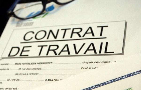 bulletin de paie contrat de travail service externalisation rh ressources humaines bpo tic avocat rédaction paie conformité droit français compétences