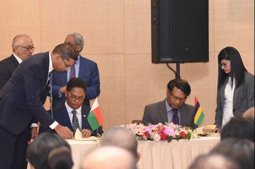 Signature du Protocole d'entente (MOU) entre l'EDB Madagascar, l'EDB Mauritius et le Mauritius Africa Fund, le 13 avril 2019