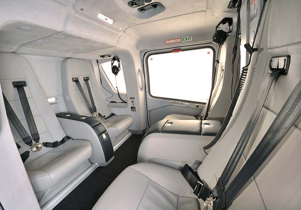 A 109 SP, Inside view