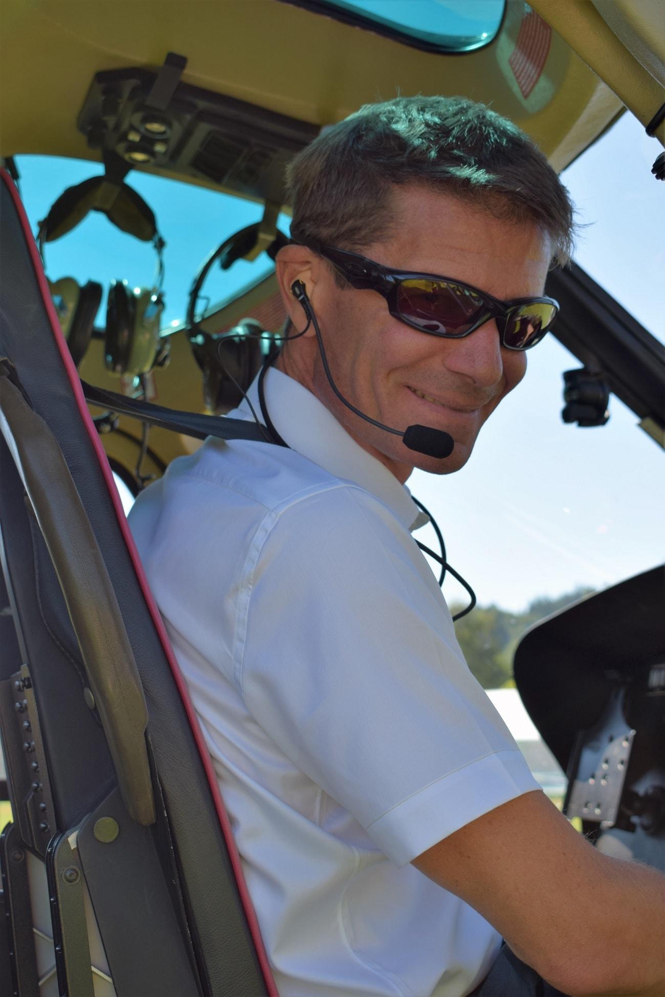 AS 350, HB-ZPF, Rundflugtage Rohrbach stellt aus, Pilot Daniel Spörli