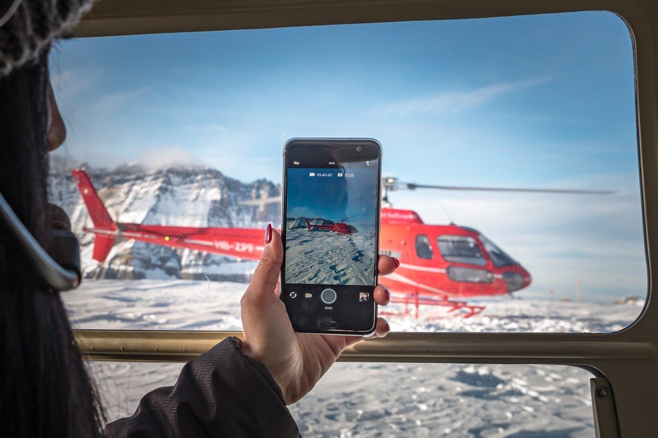 AS350 Ecureuil, Bell 206 Jet Ranger, Firmenausflug, Gletscherlandung Petersgrat