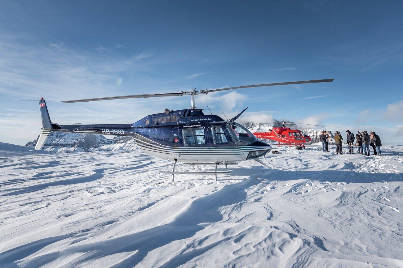 AS 350 B2 Ecureuil, Bell 206 Jet Ranger, Firmenausflug, Gletscherlandung Petersgrat