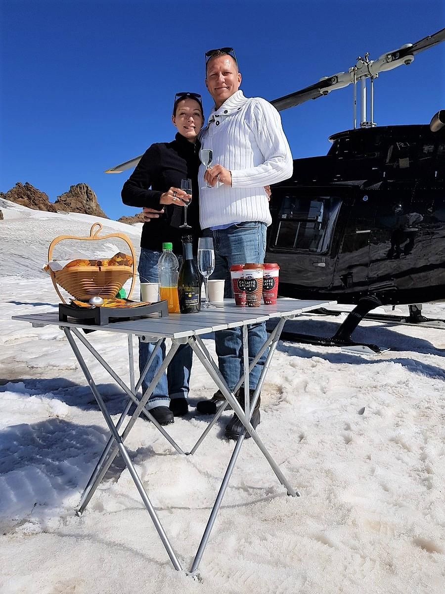 Bell 206 Jet Ranger, HB-ZPZ, Alpenrundflug mit Gletscherlandung