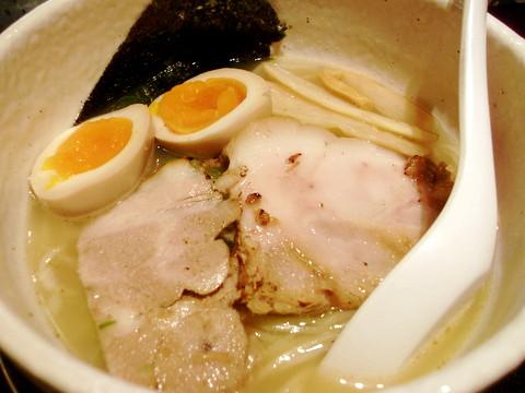 和田屋.@守山区 さっさり中華そばWスープ(しお) ¥500