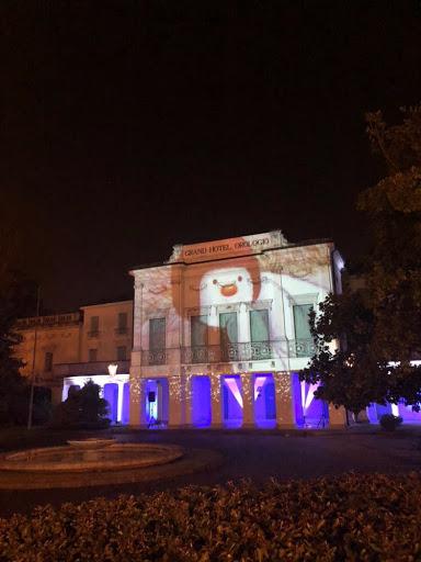 Il Grand Hotel Orologio illuminato, a Natale!
