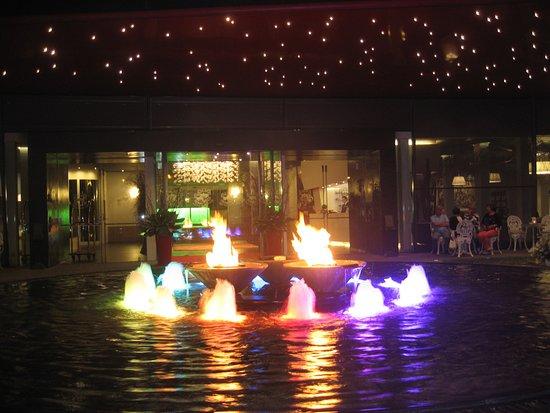 Fontana Hotel Plaza