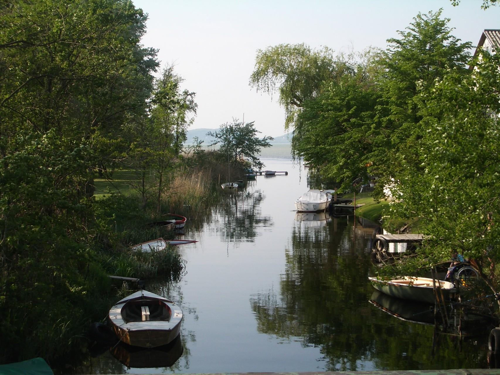 kleiner Bootshafen in Balatonmariafürdü