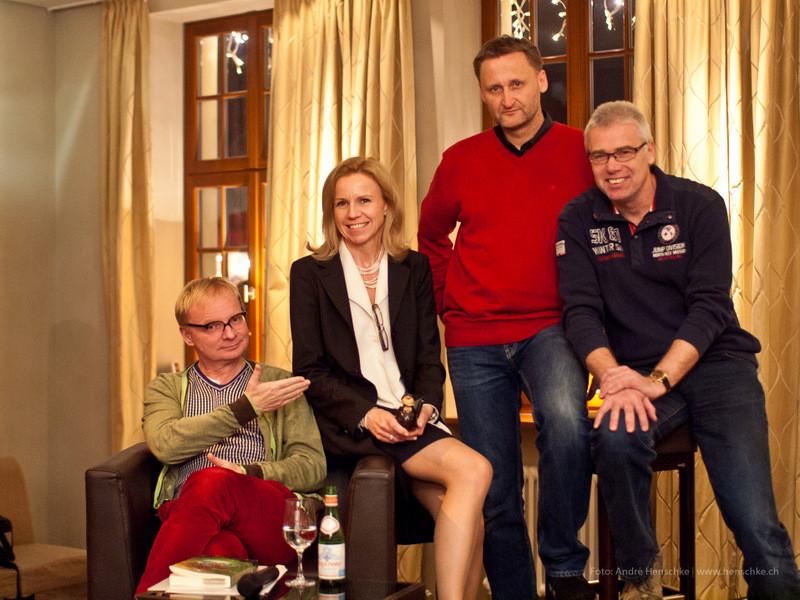 Uwe Steimle (Schauspieler und Kabarettist), Ursula Friedsam (Heinrich-Schütz-Residenz), Dirk Kohl (Weltbuch Verlag), Michael Heiderich (Autor und Produzent)