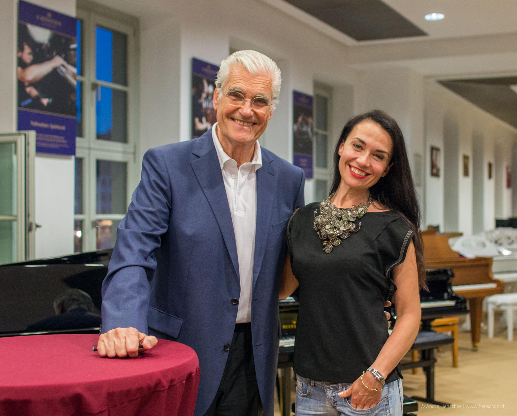 Sky du Mont mit Sängerin und Künstlerin Lidia Valenta