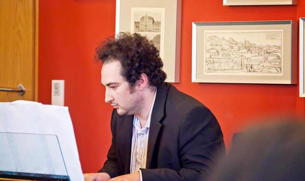 ...begleitet vom Moskauer Pianisten Sergey Trembitskiy