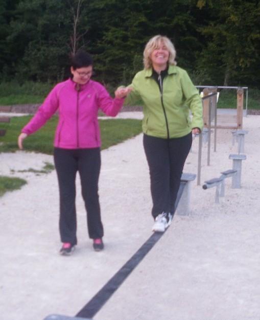 """Susan trainiert mit  """"gesund & fit""""   im Schaafheimer Fitness Park"""