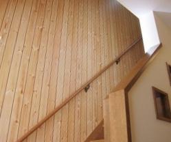 階段部分も自然素材にこだわりました。