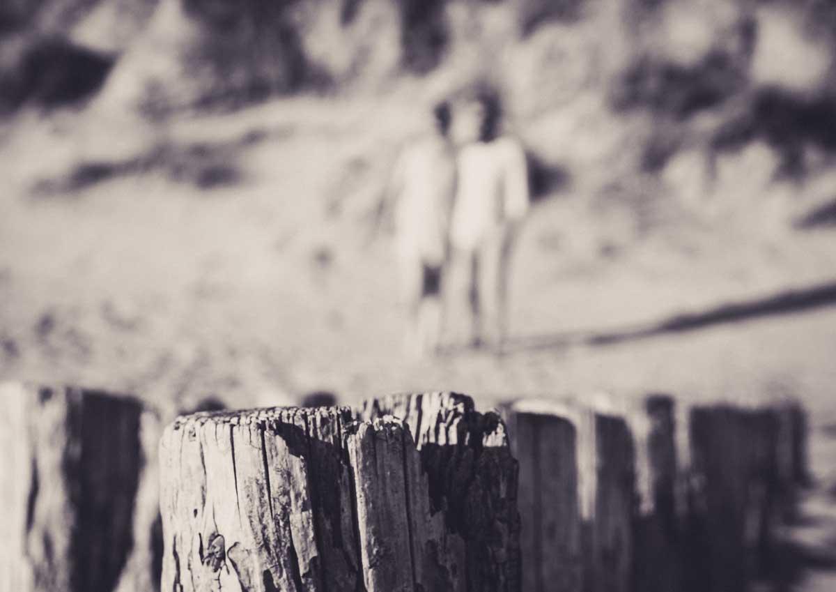 ©️benjamin wojcik photography - Fotograf Dortmund: Paar unscharf im Hintergrund